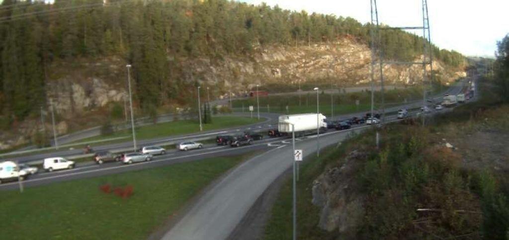 Det var lange køer på E6 sydfra inn mot Oslo etter ulykkene fredag morgen.