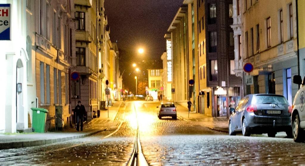 Det var i en leilighet i dette strøket i Bergen sentrum at kvinnen opplevde marerittet.