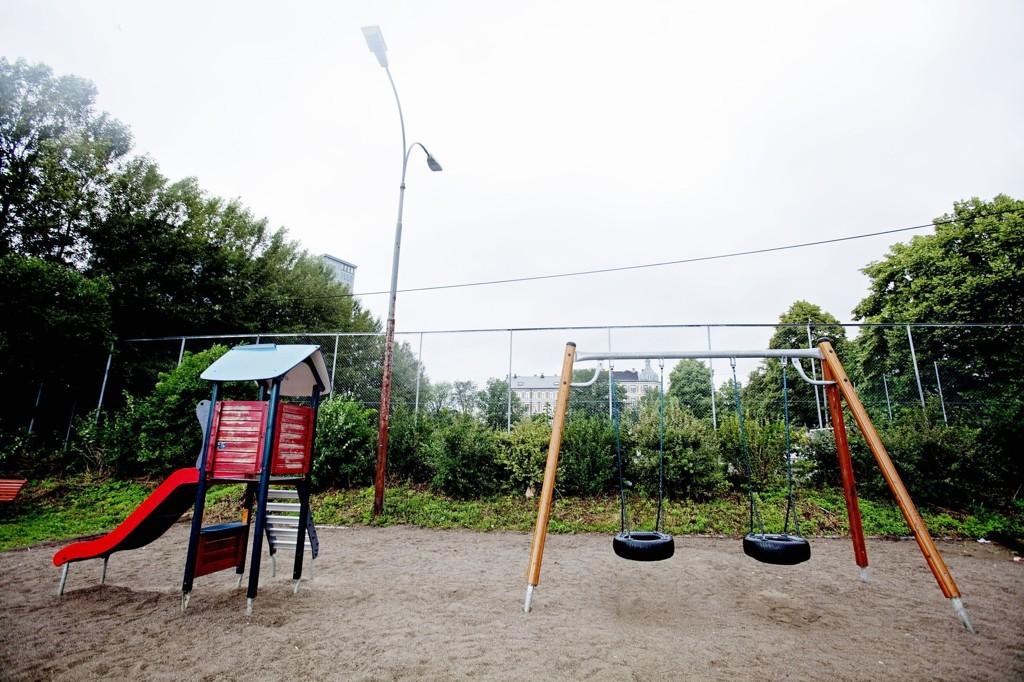 LEKEPLASSVOLD: En 11 år gammel gutt ble søndag kveld slått i bakken av en 40-åring på en lekeplass på Gressvik. Denne lekeplassen har ikke noe med omtalte hendelse å gjøre.