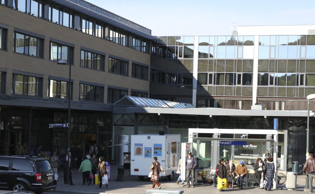 Mindre neste år: Befolkningen i bydelene Alna og Bjerke kan komme til å merke et strammere budsjett neste år. Her fra Furuset senter. Foto: Øystein Dahl Johansen