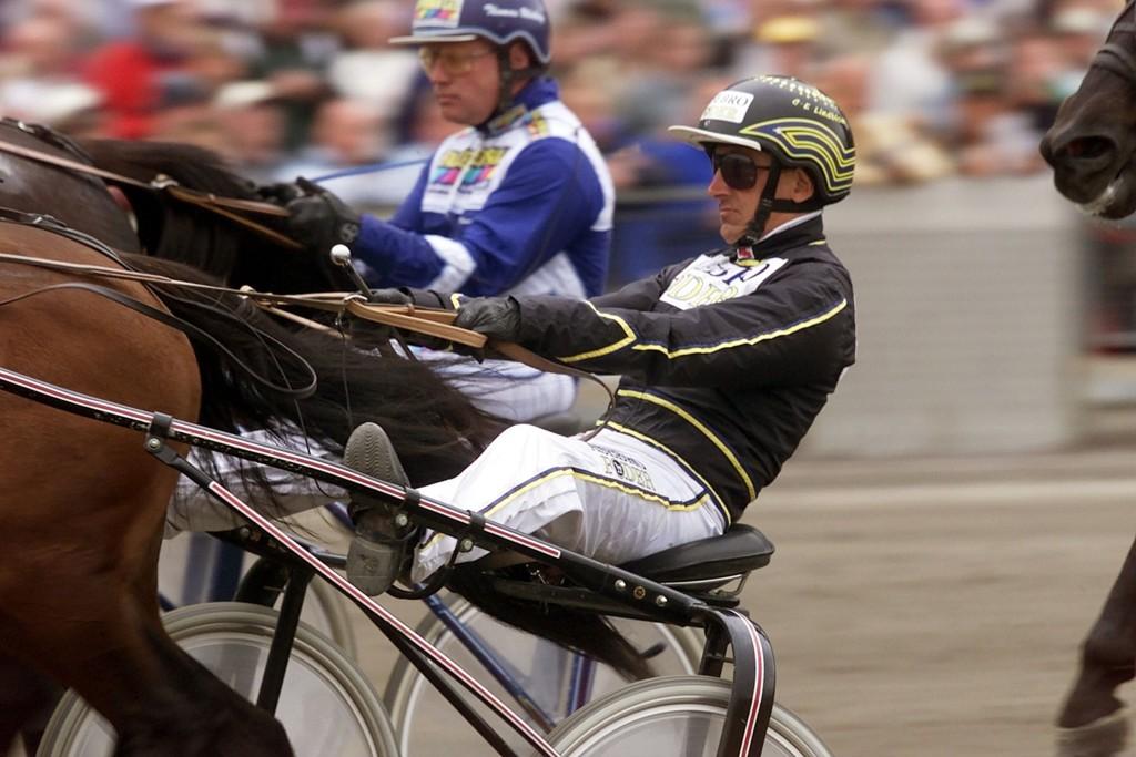 Carl-Erik Lindblom kjører vår banker denne tirsdagen.