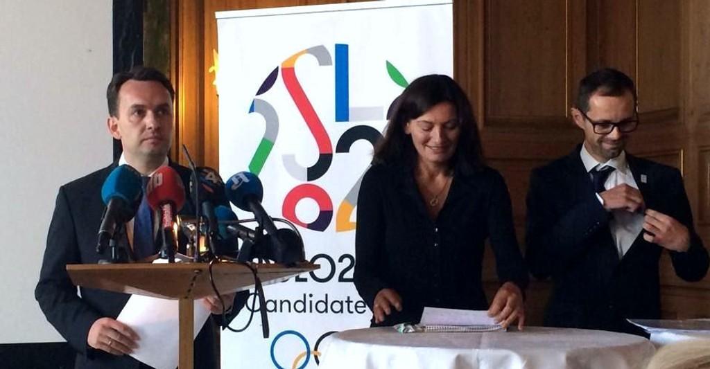 Byrådsleder Stian Berger Røsland, varaordfører Libe Rieber-Mohn og kultur- og næringsbyråd Hallstein Bjercke på en pressekonferanse om Oslo-OL tidligere i høst.