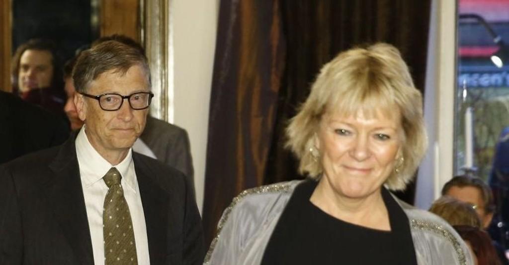 15.11.13: Civitas frokostmøte tar for seg «Commercial Investments as a tool for Development». Her ankommer Civita-leder Kristin Clemet, fulgt av Bill Gates.