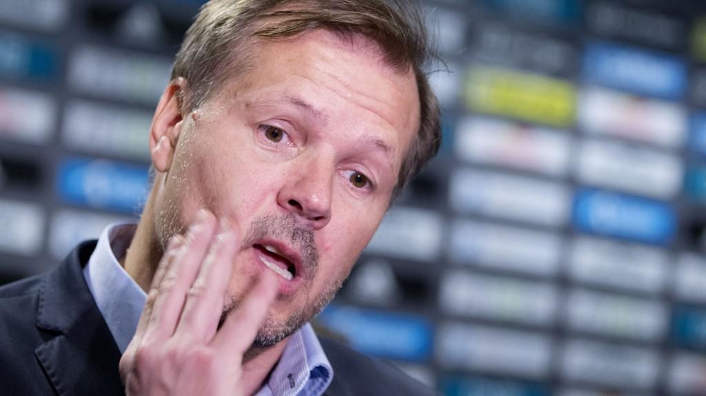 TAR DEBATTEN: Kjetil Rekdal mener norske fotballspillere må bli langt bedre trent for å henge med i utviklingen.