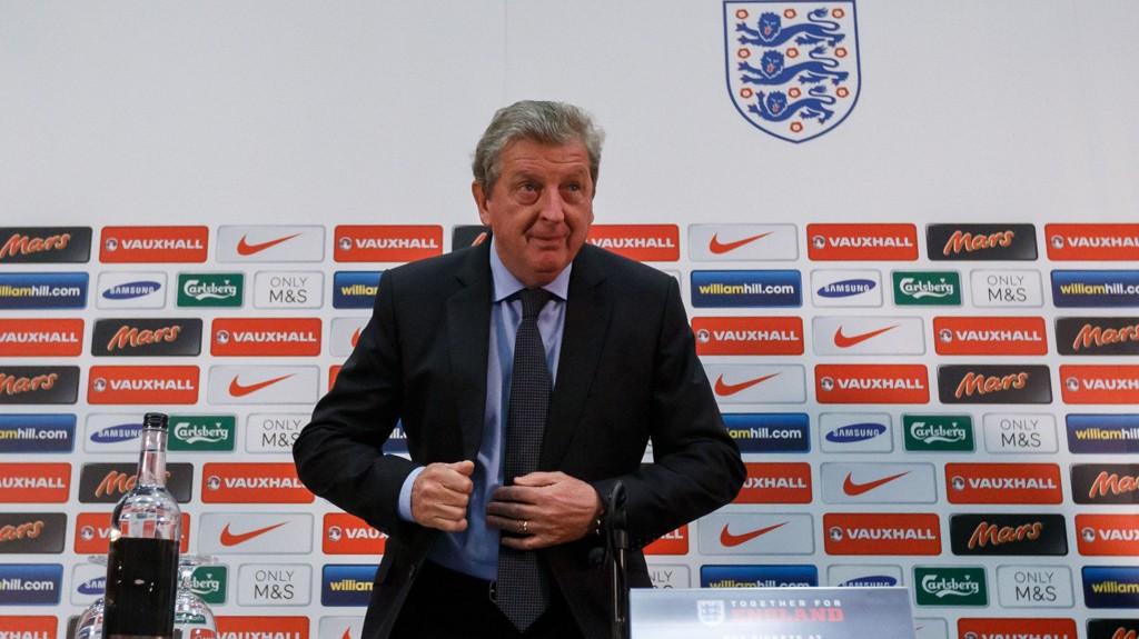 Tidligere landslagssjef Graham Taylor ber de engelske landslagsstjernene og Roy Hodgson legge vekk alle forventninger om rosende omtale i kjølvannet av torsdagens EM-kvalifiseringsmøte med San Marino.