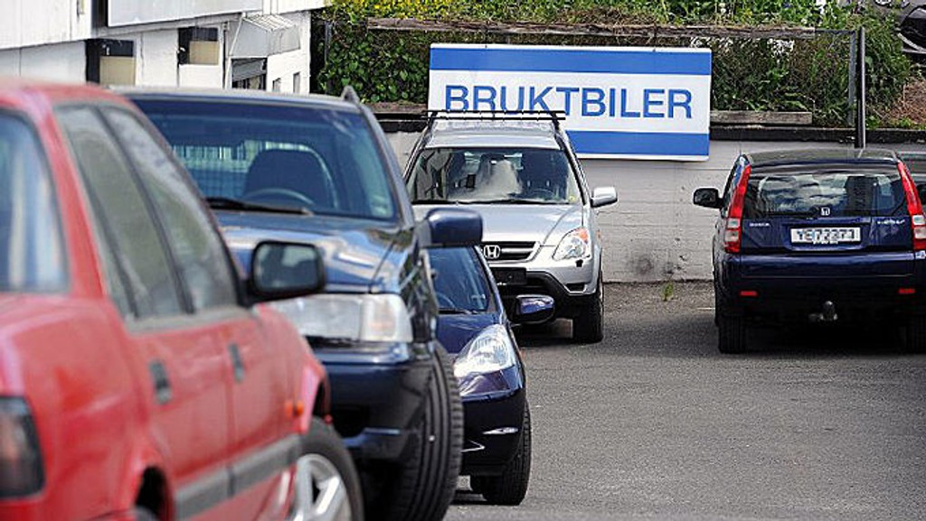 Elbiler, bruktimport og avgiftsendringer har presset ned bruktbilprisene.