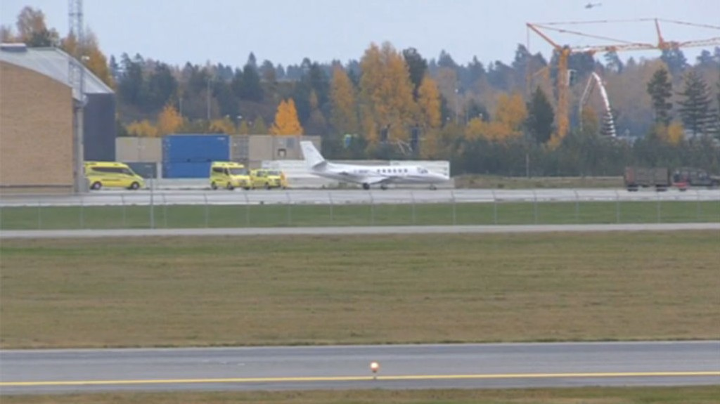 LANDET: Ved 12-tiden tirsdag landet dette flyet med den ebolasmittede kvinnen på Gardermoen.