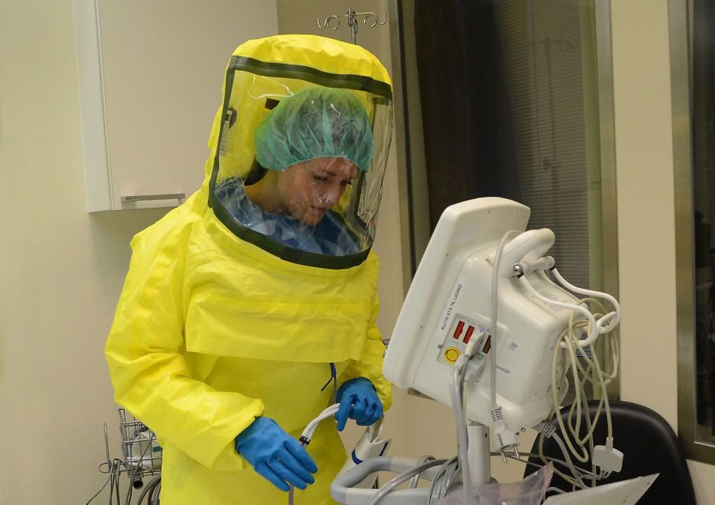 FÅR BEHANDLING: Kvinnen skal nå få behandling ved Oslo universitetssykehus avdeling Ullevål, under svært strenge smitteverntiltak.