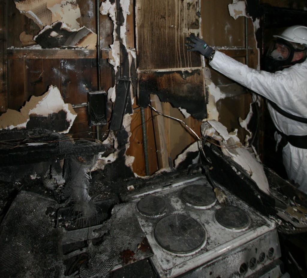Mange av boligbrannene starter på komfyren. I 2014 brant det i denne komfyren i en bolig på St.Hanshaugen.