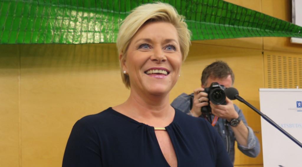 Finansdepartementet med Siv Jensen i spissen foreslår å redusere arbeidsbyrden til norske bedrifter.