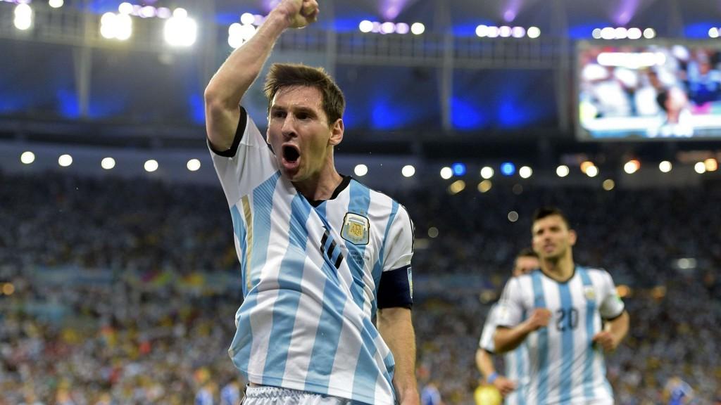 Lionel Messi og Sergio Aguero spiller trolig fra start i lørdagens storoppgjør mellom Brasil og Argentina i Kina.