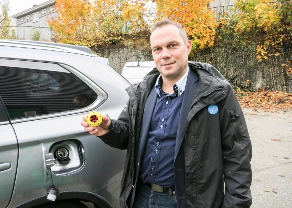 – Monter et smart tanklokk til 300 til 400 kroner, for eksempel Solo Diesel tanklokk. Dette gjør det umulig å tanke bensin på dieselbilen, forklarer Vidar Brustad, teknisk fagsjef Motor i forsikringsselskapet If.