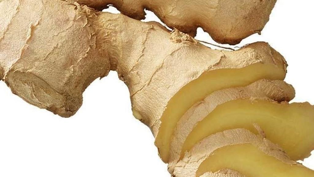 MÅ VÆRE GOD KVALITET: Styr unna inntørka ingefær som er gråbrun i kjøttet når du ser tverrsnittet.