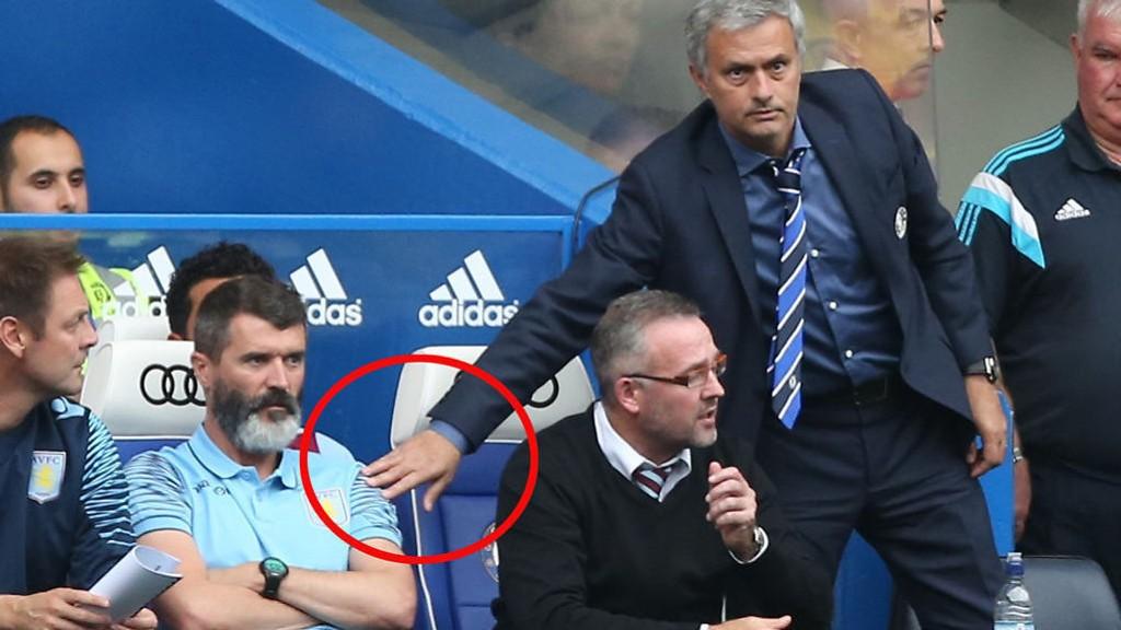 IKKE SNAKK OM: José Mourinho vil ta Roy Keane i hånden mot slutten av kampen mellom Chelsea og Villa, men Keane nekter.