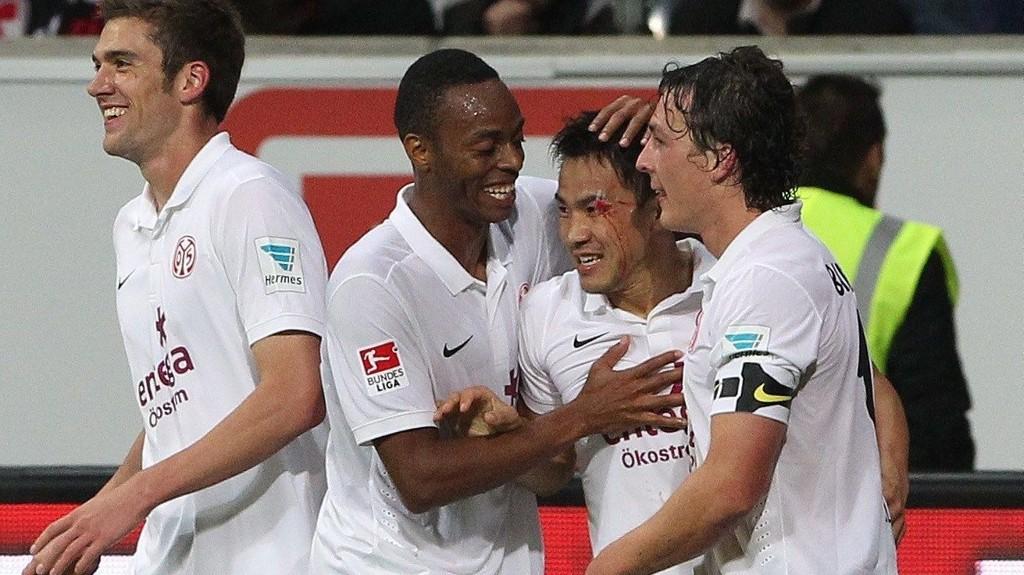Mainz' toppskårer Shinji Okazaki (andre fra venstre) har bøttet inn mål i år.