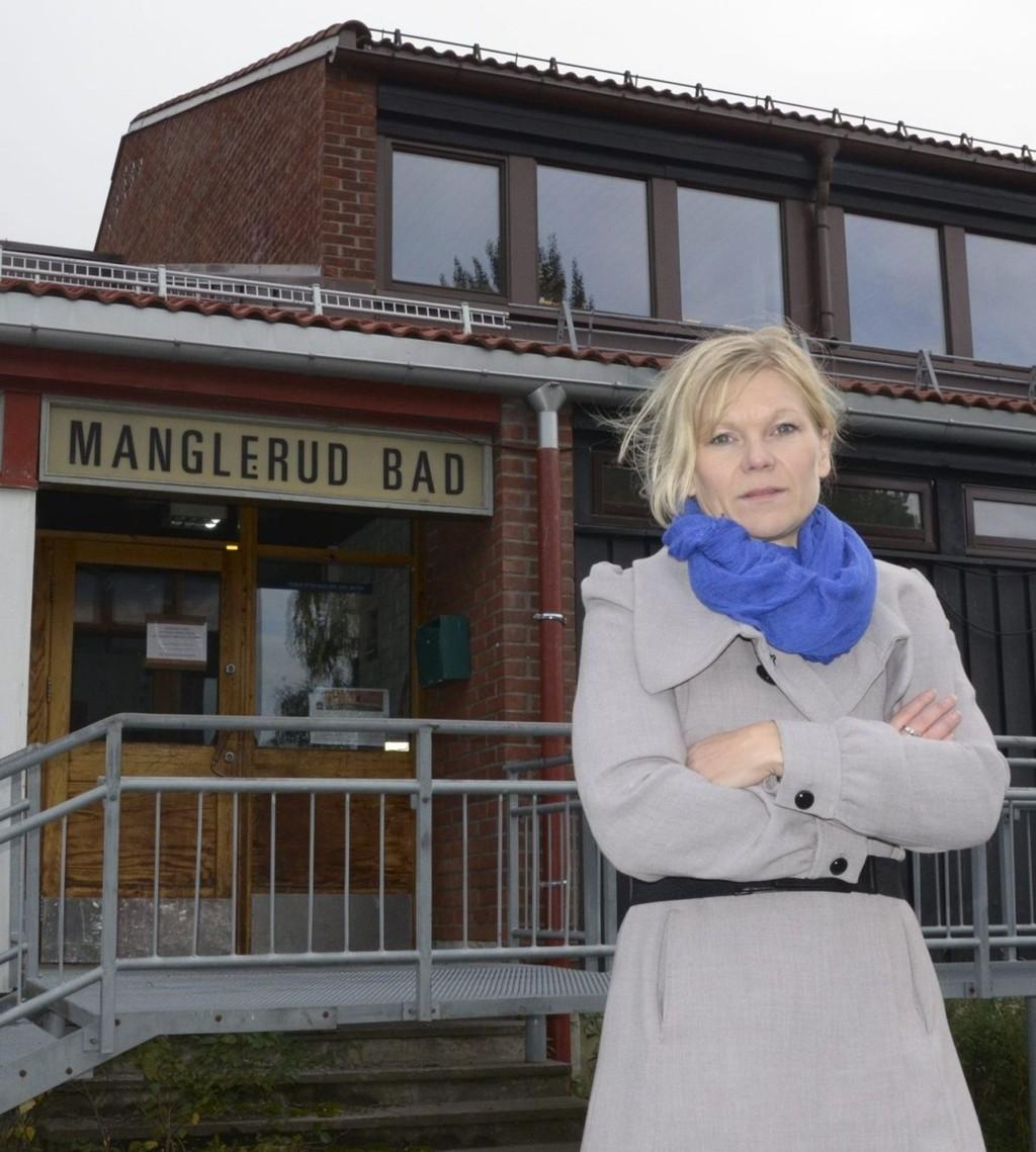 ENGASJERT: Tina Rødahl håper alle som fortsatt ønsker et lokalt svømmetilbud støtter opp om fakkeltoget. Foto: Nina Olsen