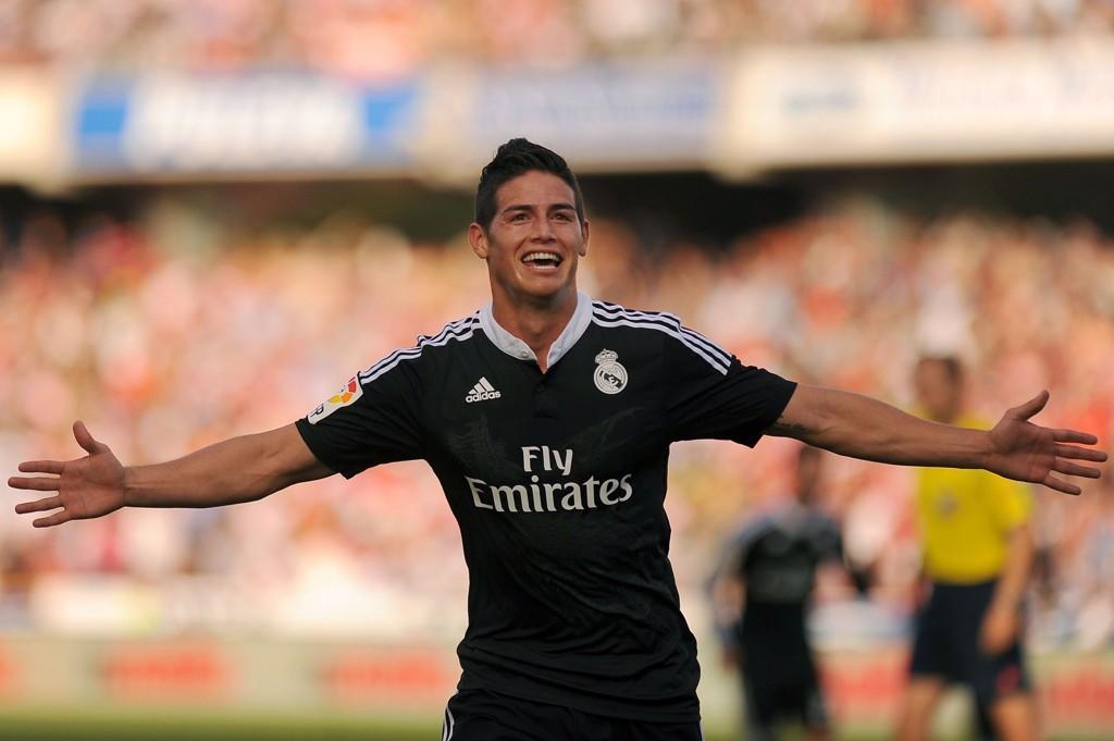 DRØMMESCORING: James Rodriguez scoret et nydelig mål lørdag.