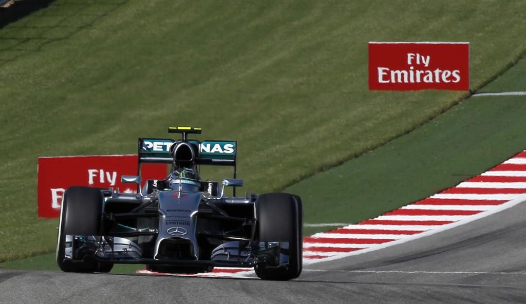 SLO TILBAKE: Nico Rosberg slo tilbake mot Lewis Hamilton.