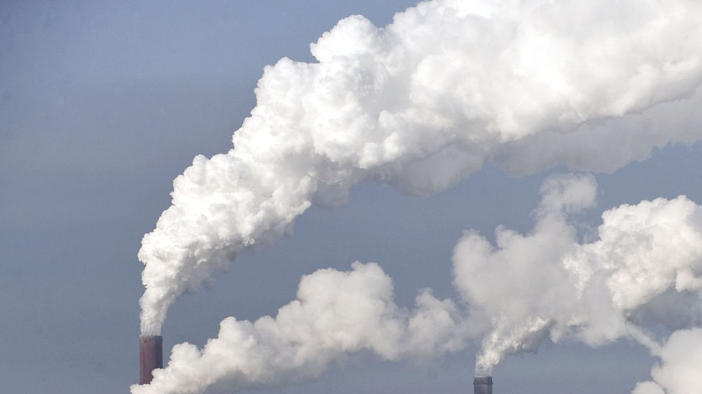 ØKER: Utslippene av klimagasser øker kraftig.