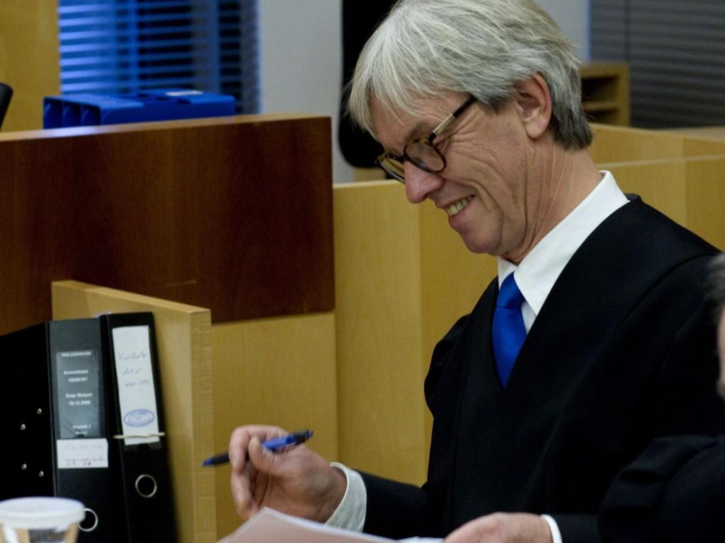 FORNØYD: Forsvarer Knut Lindboes musiker-klient slapp å møte i Oslo tingrett tiltalt for NAV-svindel fordi NAV utestengte musikeren fra retten til dagpenger.