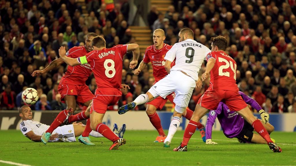 Karim Benzema er i strålende form og scoret to mål mot Liverpool på Anfield.