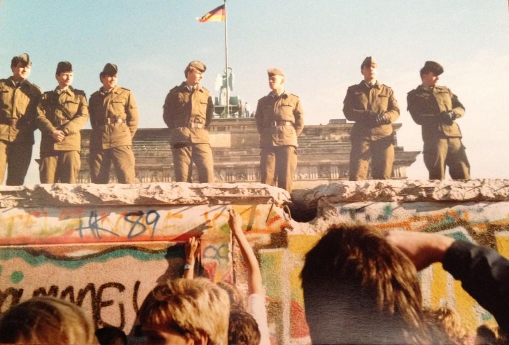 Søndag er det 25 år siden Berlinmuren falt.