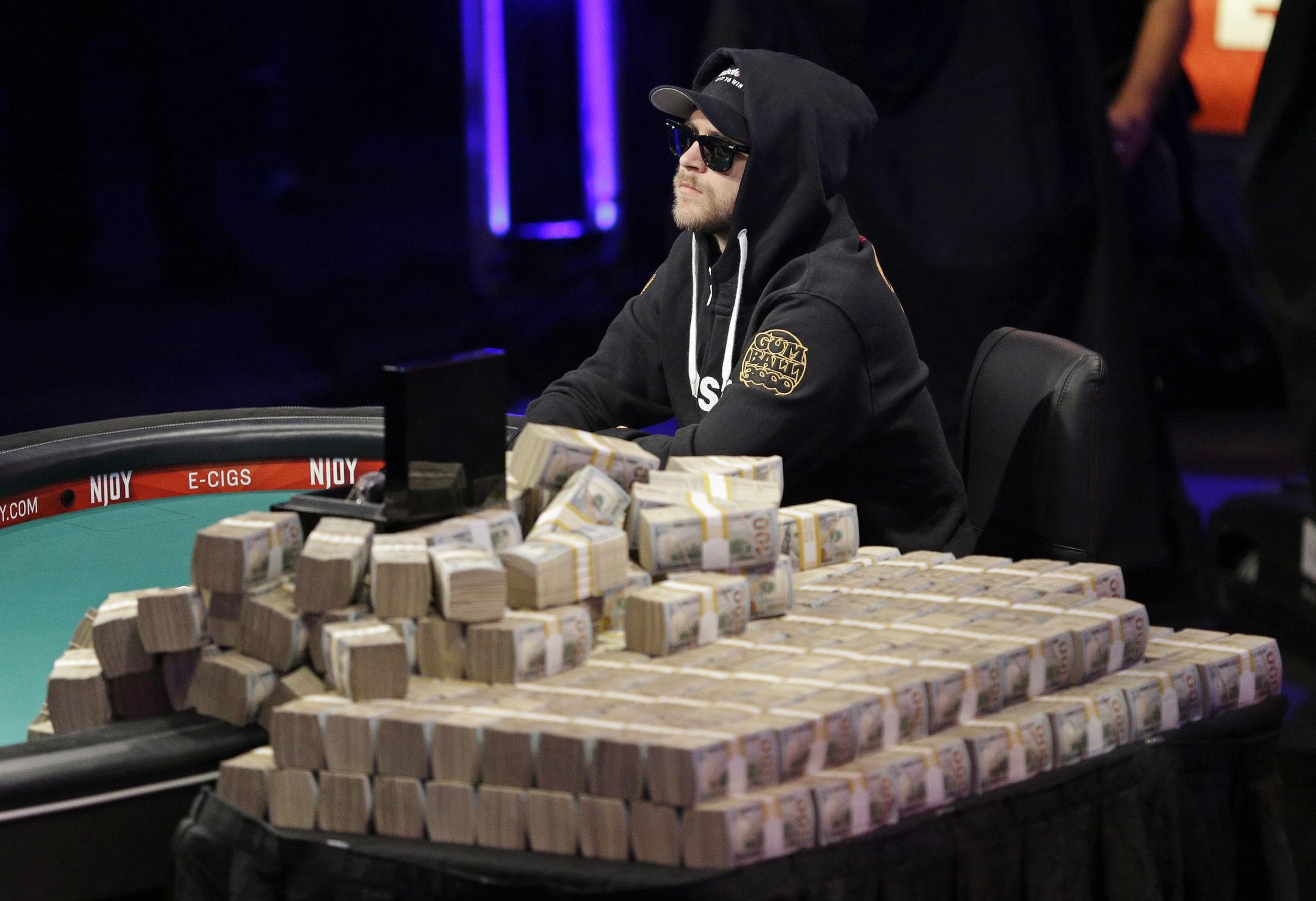 NEST BEST: Norske Felix Stephensen fikk skryt av pokerproffene i USA etter sitt spill. Dessverre holdt det ikke helt inn og det ble en andreplass på Felix. Oslogutten er uansett 35 millioner rikere etter turneringen.