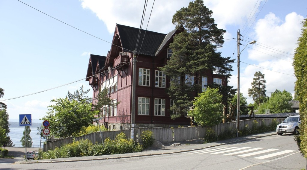 Her i Solveien/Nordstandveien foreslår bymiljøetaten foreslår én rushtidsbom, det støtter kronikkforfatteren.