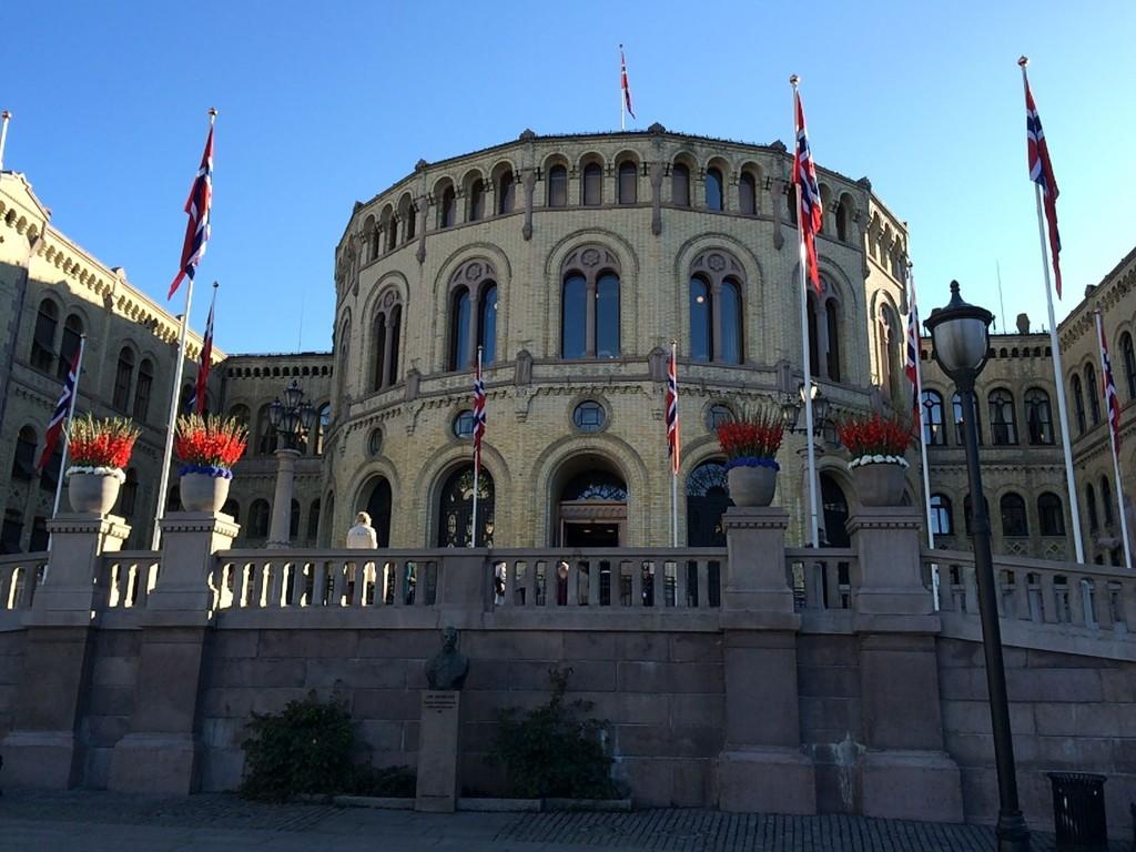 Stortinget stemte over feil versjon av den nynorske grunnloven.