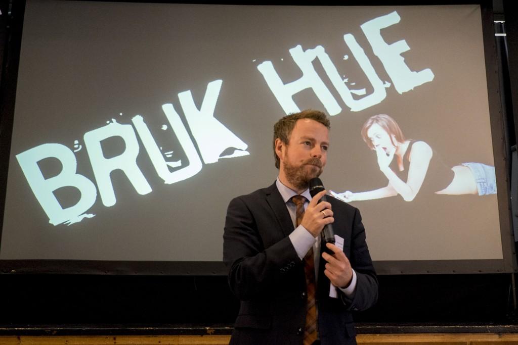 Kunnskapsminister Torbjørn Røe Isaksen (H). Her fra åpningen av antimobbekampanjen «Bruk hue» i midten av september.