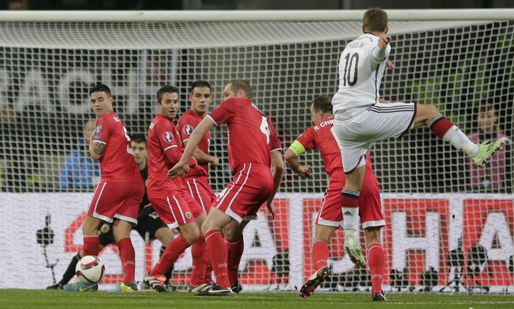 FULL KONTROLL: Tyskland og Lukas Podolski hadde full kontroll på lille Gibraltar.
