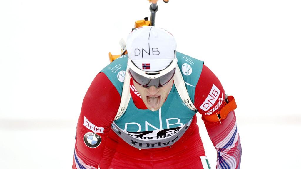 Tarjei Bø var fornøyd med fjerdeplass, selv om han pådro seg en strafferunde underveis, i sesongåpningen på Sjusjøen