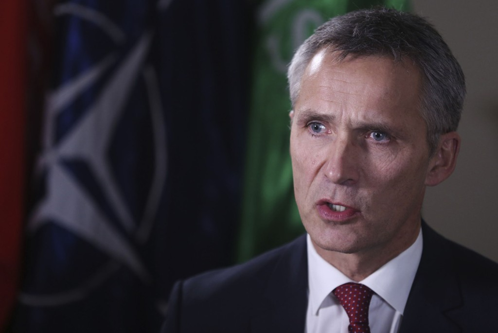 NATO-sjef Jens Stoltenberg avbildet under et intervju med Associated Press.
