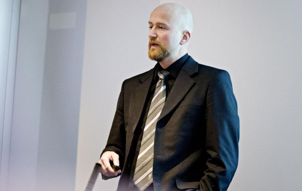 Oljeanalytiker Torbjørn Kjus regner med en snittpris på 80 dollar per fat.