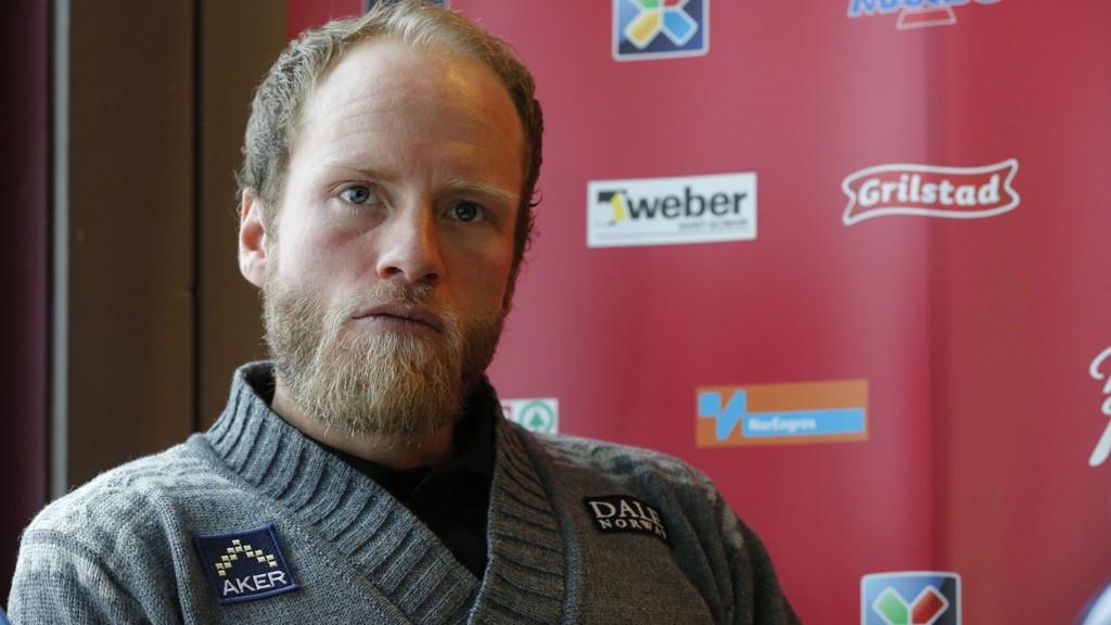 IKKE ENIG: Tidligere toppløper Frode Estil gikk i høst ut og antydet at mange norske langrennsløpere trente for mye. Martin Johnsrud Sundby (30) er ikke enig.