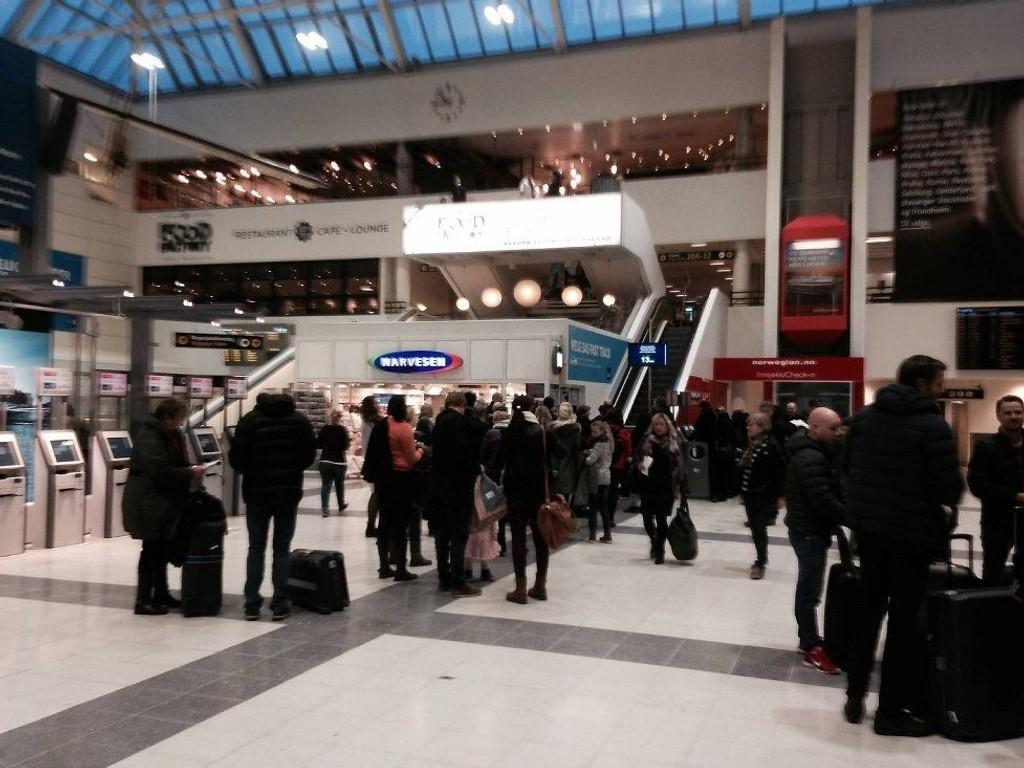 Sikkerhetskontrollen på Flesland ble stengt fredag morgen rett før klokken 09.