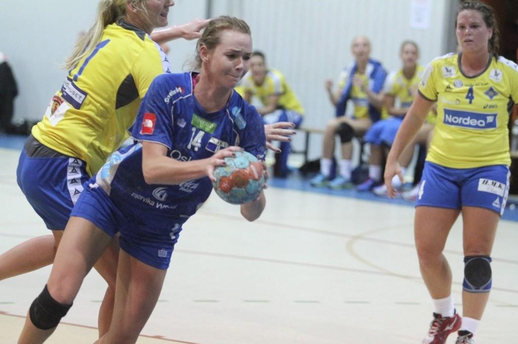 TO MÅL: Strekspiller Martine Welfler scoret to av målene da Njård slo Viking 26-22 i Bergen i helgen. FOTO: ARILD JACOBSEN