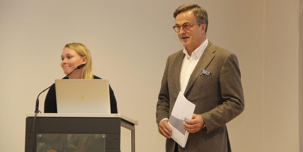 TVILER: Ola Mæle, her i bydelsutvalget i Bydel Vestre Aker, sår tvil om journalists habilitet.