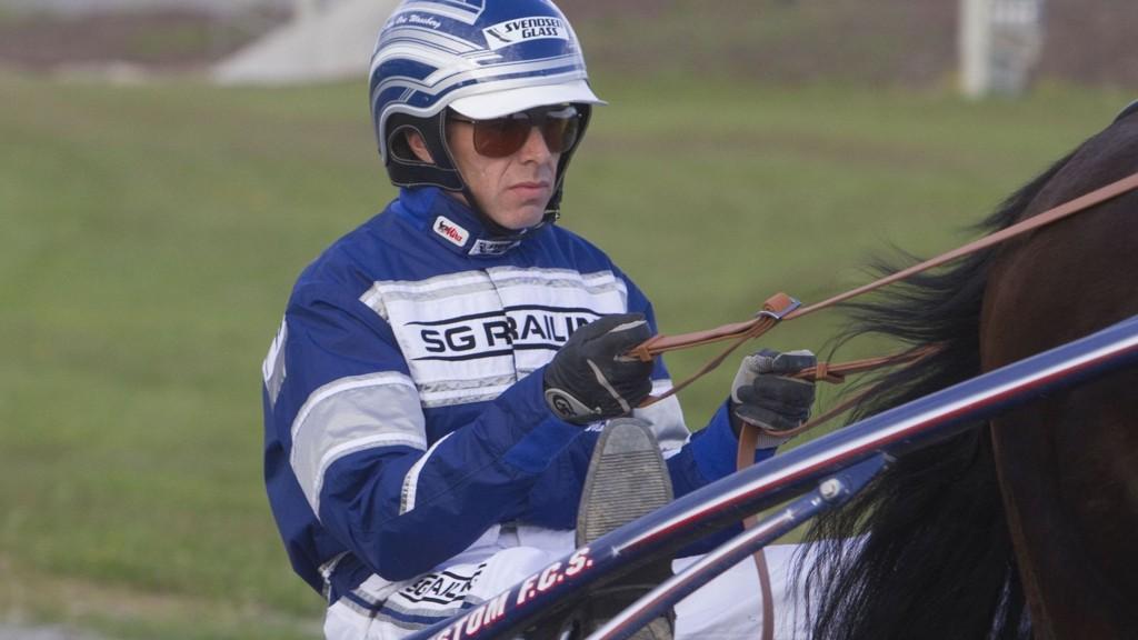 Svein Ove Wassberg kusker onsdagens største V76-favoritt på Bjerke.