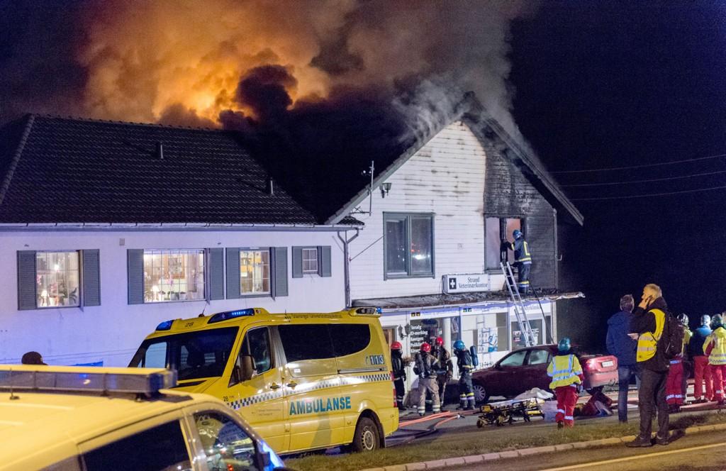 DØDSBRANN: To personer er funnet omkommet etter at det brøt ut brann i en leilighet på Jørpeland i Rogaland onsdag.