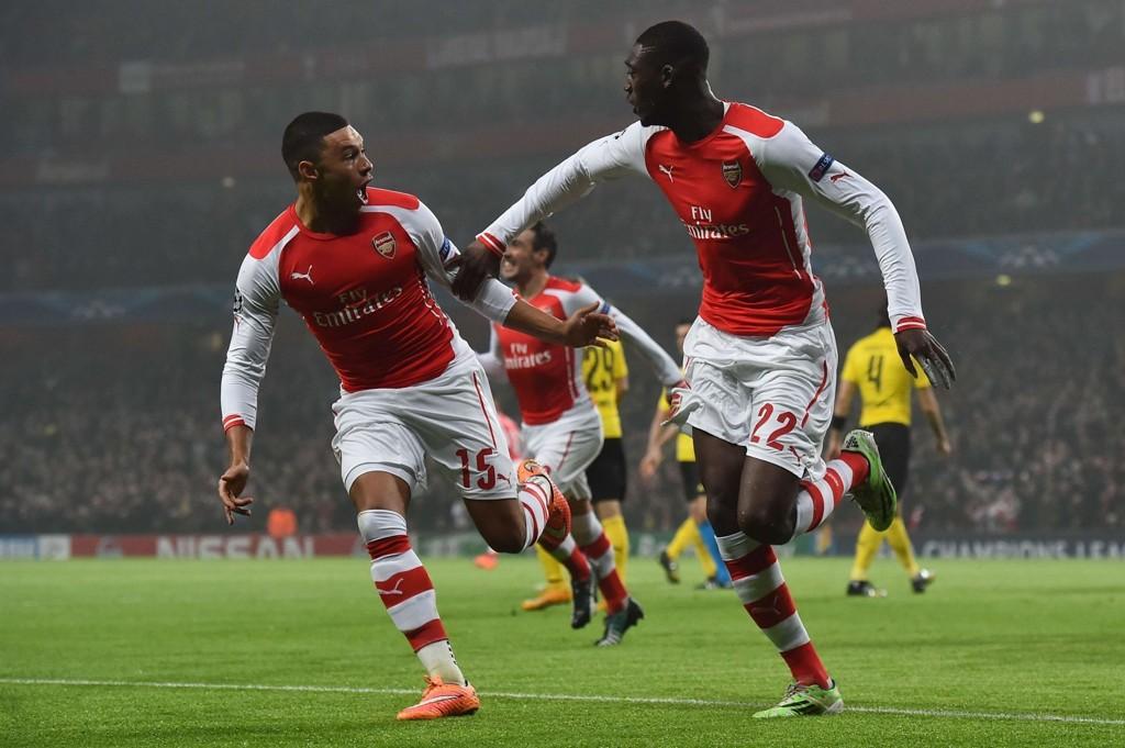 FIKK SITT FØRSTE: Etter å ha gått 19 tellende arsenalkamper uten scoring, fikk Yaya Sanogo endelig kjenne lyden av nettsus.