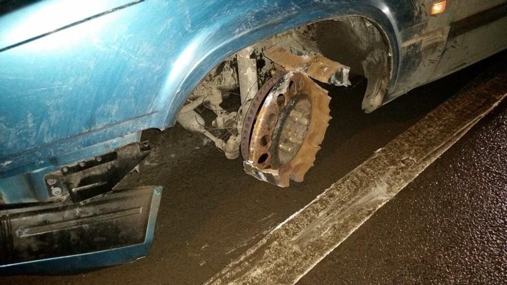 Kun bremseskiven var igjen på hjulet.