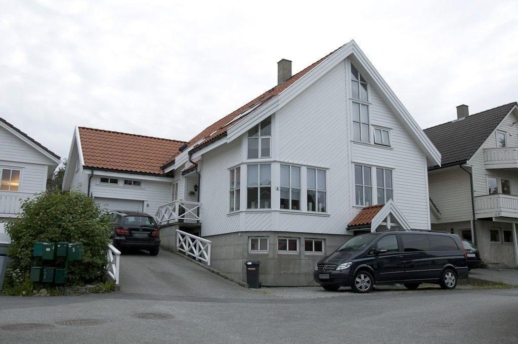 Investeringsselskapet JMT med adresse Varheihagen 9 i Randaberg (bildet) var eid av Fia Ingebrigtsen og hennes mann Kåre Nilsen. Nilsen er siktet for innsidehandel, sammen med bl.a. Acta-gründer Fred Ingebrigtsen.