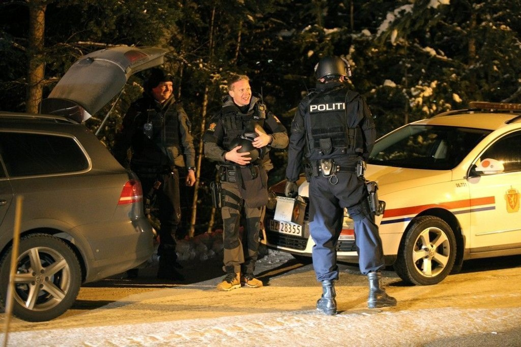 Pågripelsen foregikk uten dramatikk over åtte timer etter at politimannen ble skutt.