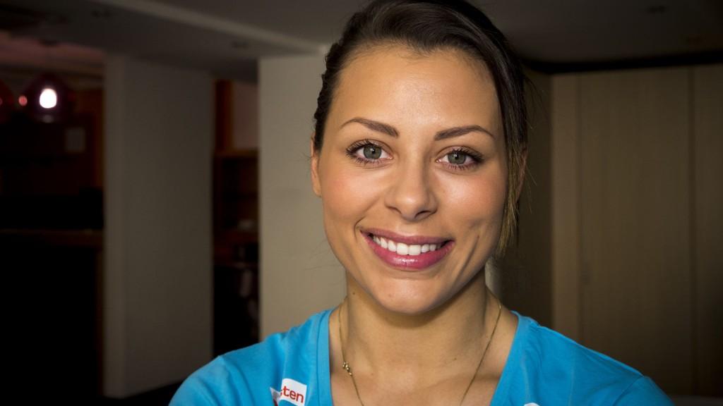 Nora Mørk synes torsdagens landskamp mot Danmark starter lovlig sent, men hun lover norsk seier.