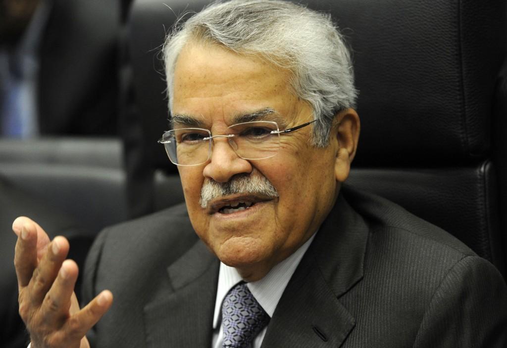 Saudi-Arabias oljeminister Ali al-Naimi må si ja, dersom det skal bli et kutt i produksjonen.