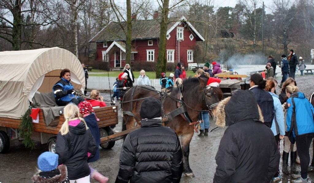 I en årrekke har det vært arrangert julemesse på Søndre Aas gård på Holmlia. Her fra en tidligere julemesse. Førstkommende søndag er store og små velkommen igjen.