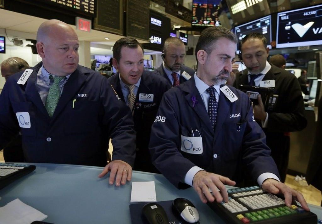 Verdien av aksjene notert på den industritunge Dow Jones-indeksen steg onsdag med 0,18 prosent til 17.912,04 poeng, det høyeste noensinne.