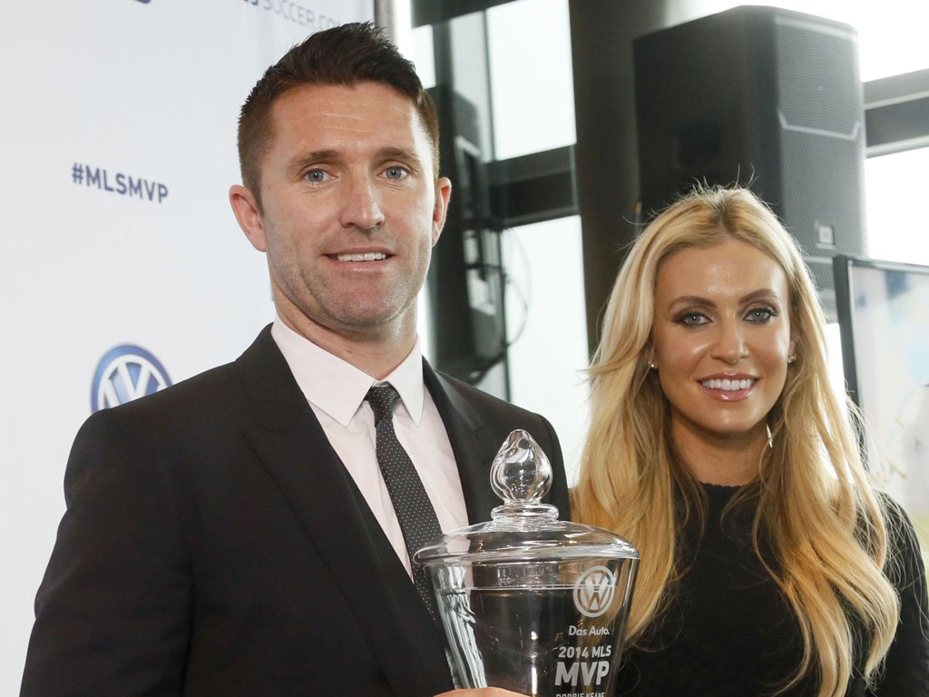BEST: Robbie Keane er kåret til den beste spilleren i MLS. Han hadde med seg sin kone Claudine og sønnen Robert (5) på prisgallaen i Los Angeles.