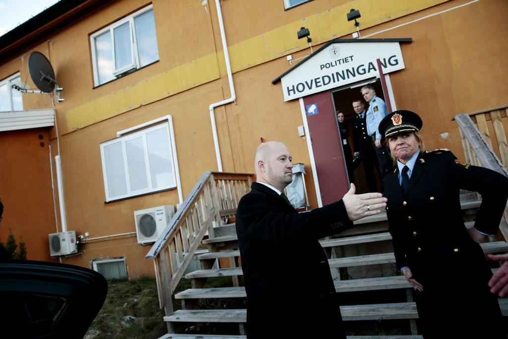 TAR GREP: Justis- og beredskapsminister Anders Anundsen (Frp) under et besøk på utlendingsinternatet på Trandum på Gardermoen.